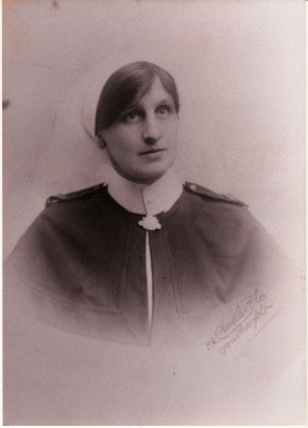 Sister Kathleen Lillie Doyle AANS, Southampton UK c.1916.  Photo:  Singleton Historical Society